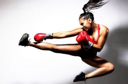 Distinguishing between kickboxing and boxing