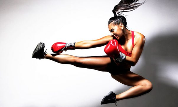 Distinguishing between kickboxing and boxing